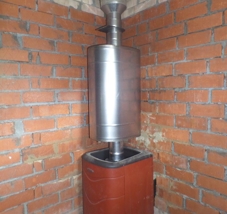 Установка бака для воды на банную печь